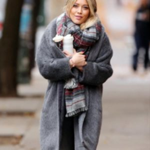 Hilary Duff Younger S02 Kelsey Peters Grey Fur Coat