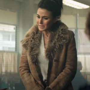 Emmanuelle-Chriqui-Superman-and-Lois-Coat