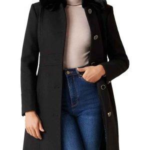 Nicole-Kang-Batwoman-S02-Mary-Hamilton-Black-Coat-With-Fur-Collar