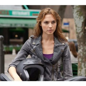 Gal-Gadot-9-Studded-Jacket-Fast-And-Furious